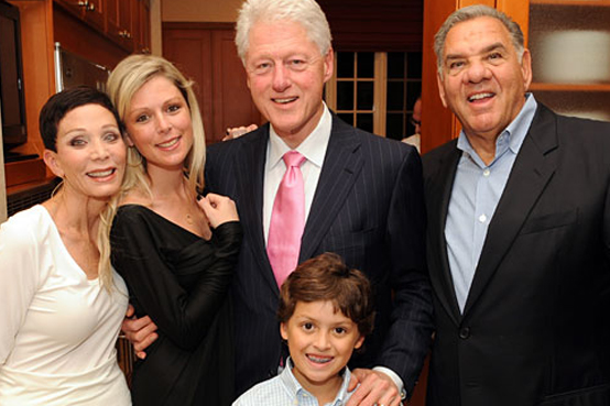 The Leesfield family and President Bill Clinton