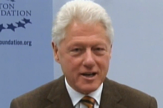 "President Clinton honors Ira Leesfield for receiving the ""Judge Learned Hand Award"""